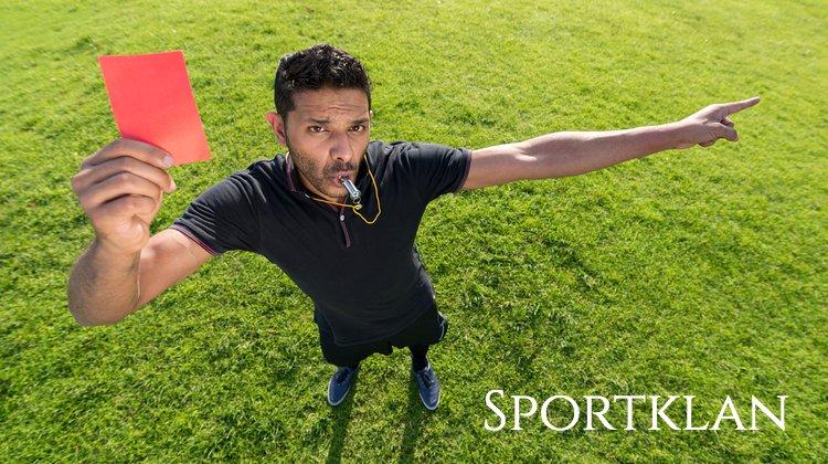 10 глупых удалений в футболе