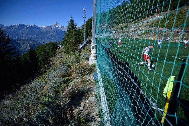 топ 10 удивительных стадионов Ottmar Hitzfeld