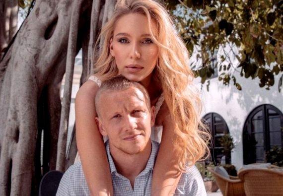 Игорь Смольников жена