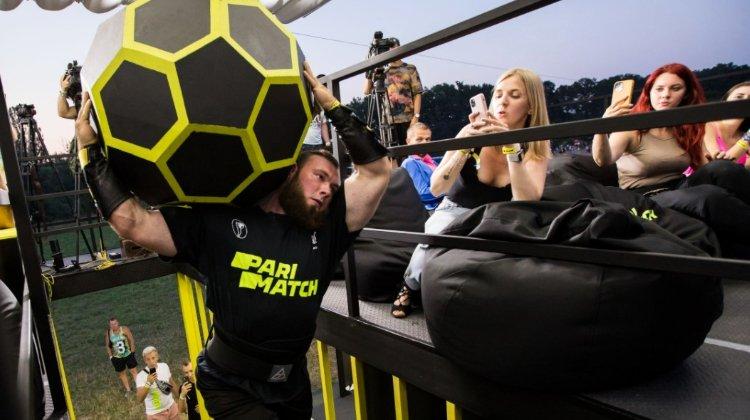 БК Parimatch подписала контракт с самым сильным человеком планеты
