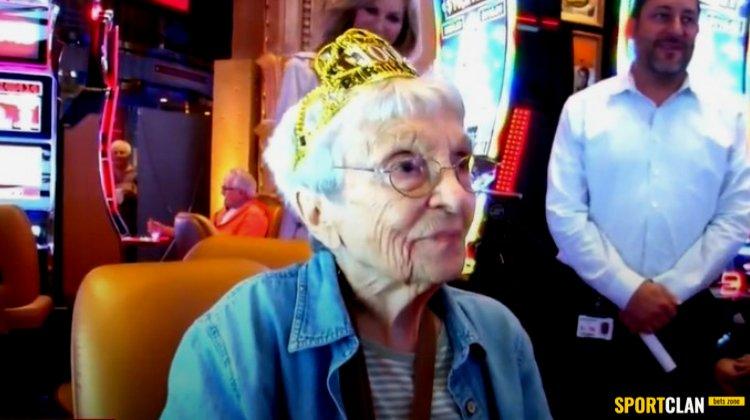 Американка отпраздновала своё 100-летие в казино, которое посещает каждый месяц